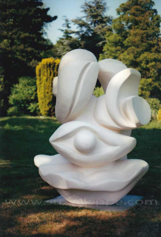 Sculptures en r sine de suzy lieppe elles sont id ales pour les grands espaces verts les parcs - Statue de jardin en resine ...